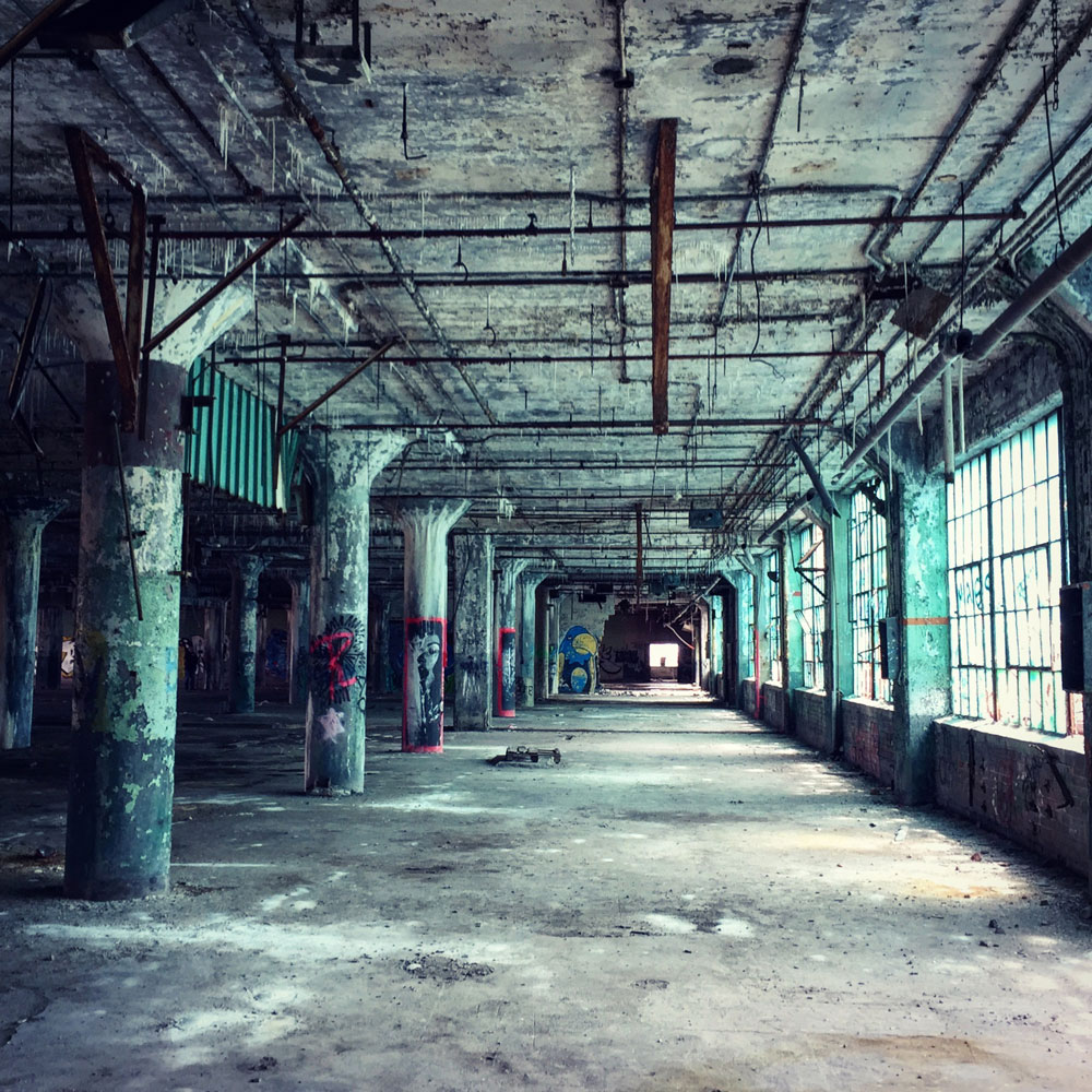 Abandoned Detroit Photography Tour Is An Eyeopener